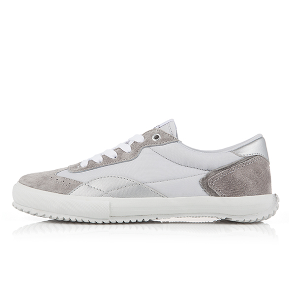 "<b><font color=""blue"">New Release !! ★ ★</font></b> <br> AKIII CLASSIC  <BR> Sneakers: 7  Gray"