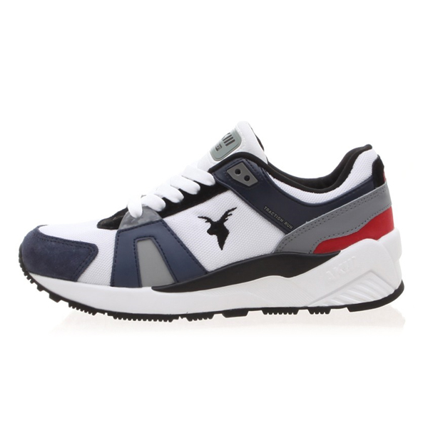 "<b><font color=""blue"">★ ★ Running Shoes</font></b> <br>  AKIII CLASSIC <BR>  Traction <BR> Navy / Red"