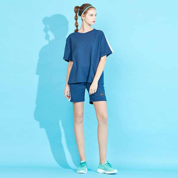<b><font color=red>AKIII CLASSIC New Products!</font></b> <br> Abiare line short-sleeved shorts set
