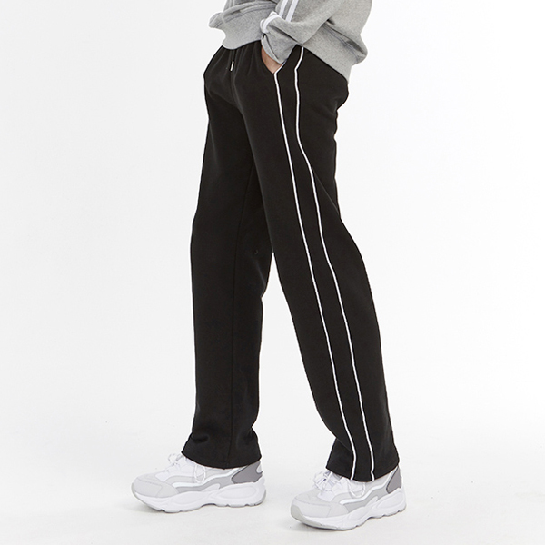<b><font color=red>AKIII CLASSIC new product!</font></b> <br> loose fit piping track pants <br> <font color=blue>(unisex)</font>