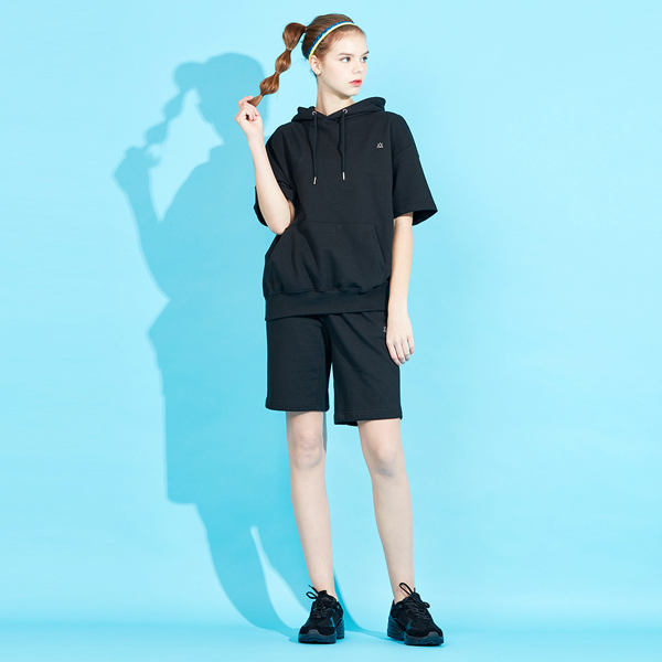 <b><font color=red>AKIII CLASSIC New Products!</font></b> <br> Icon Logo Short Sleeve Shorts Set